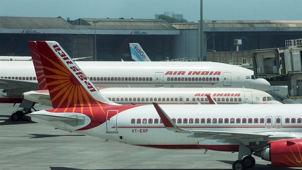 Countries are banning travel from Covid-hit India – calls for SA to do the same are growing