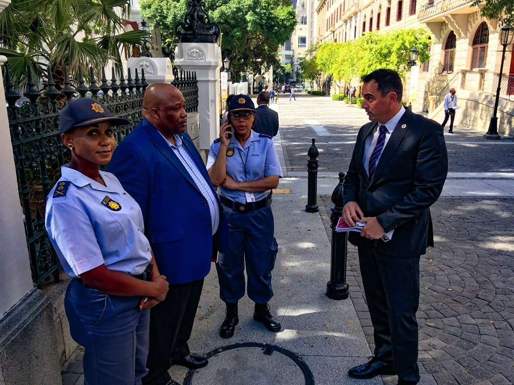 Police obstruct Steenhuisen, other MPs from entering Parliament before budget speech