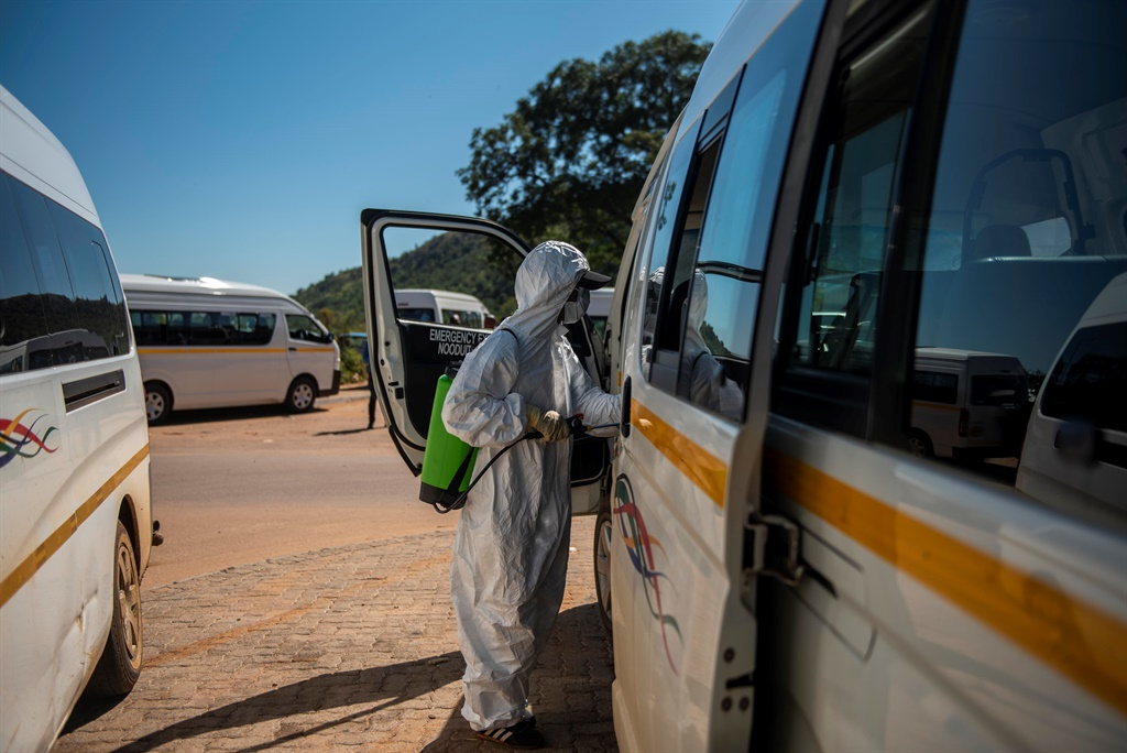 Commuters taxis being disinfected. (Alet Pretorius/Gallo Images)