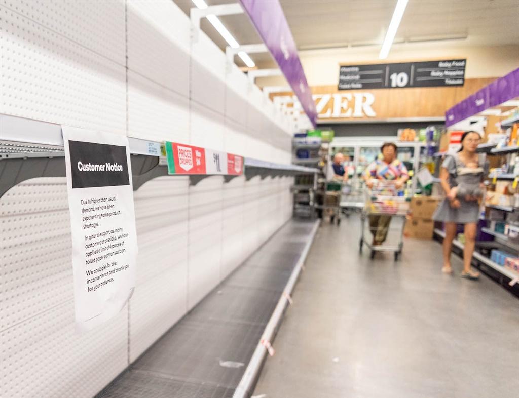 BRISBANE, AUSTRALIA - 2020/03/04: Customers looks
