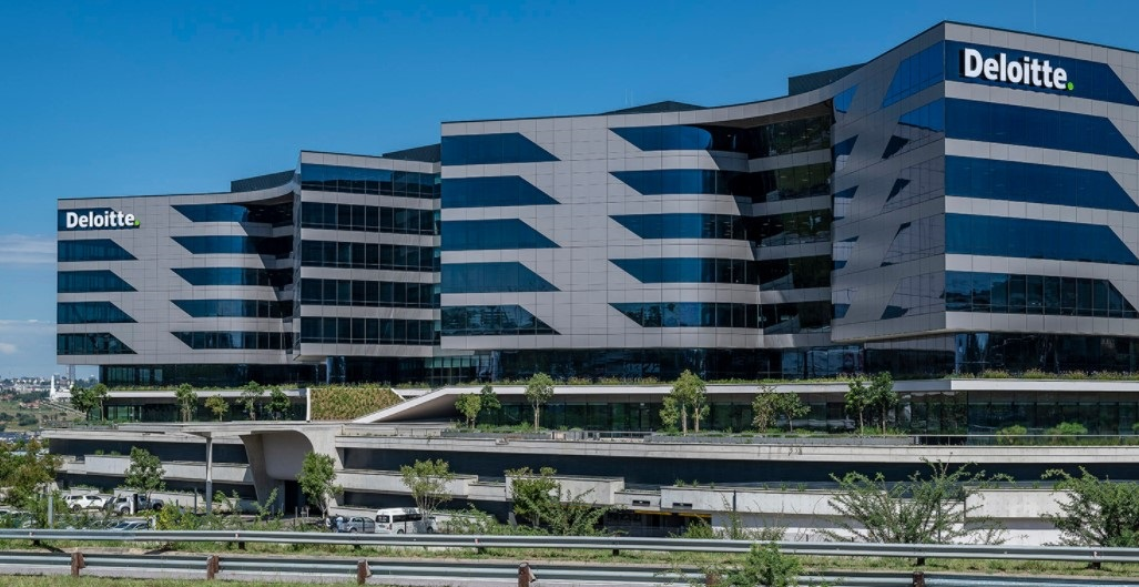 How Deloitte plans to roll out its new hybrid working model in SA | Fin24 - News24