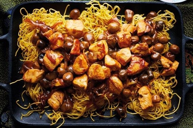 Chicken on noodles.