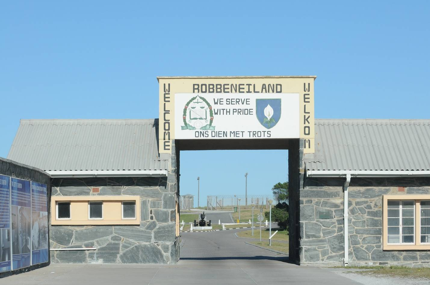 stone of contentionThe state of affairs at the Robben Island Museum has pitted stakeholder against stakeholder