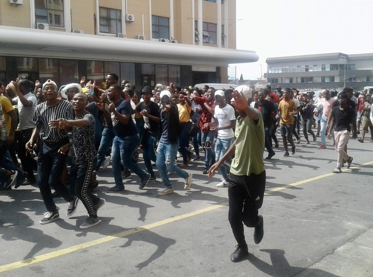 Students protest over NSFAS allowances in the centre of East London last week. (Photo: Nombulelo Damba-Hendrik, GroundUp)