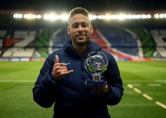 BREAKING | Neymar extends PSG contract to 2025