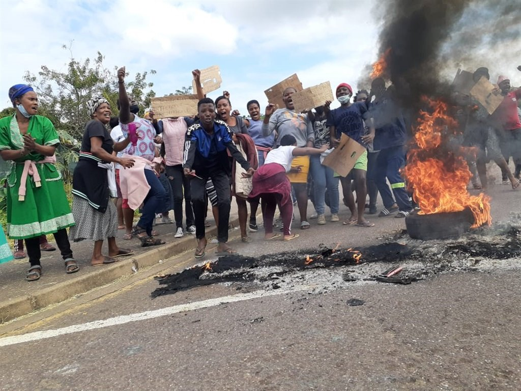 Parents lined the streets of Newlands East with burning tyres to protest the shortage of teachers at the local primary school.