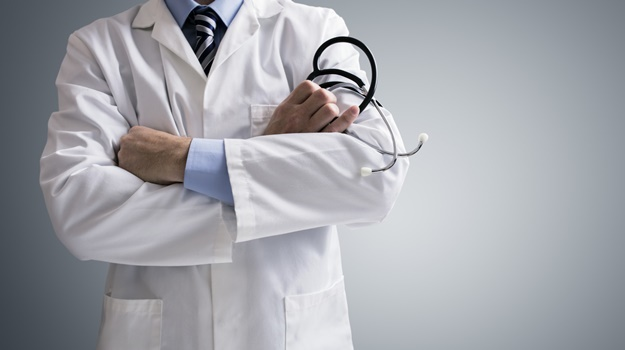 SA Medical Association probes claims that medical interns pay for posts at preferred hospitals - News24