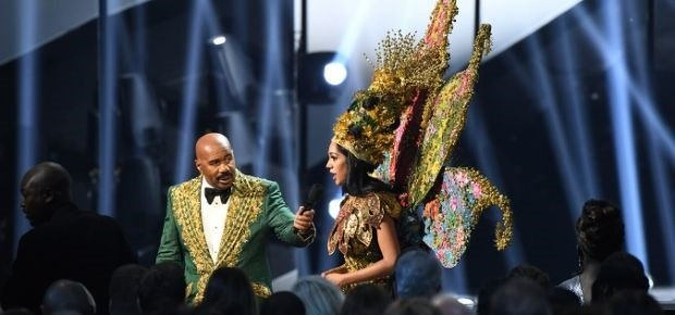 Channel24.co.za | Update: Miss Universe clears air on Steve Harvey national costume winner mishap: 'Mr Harvey was correct'