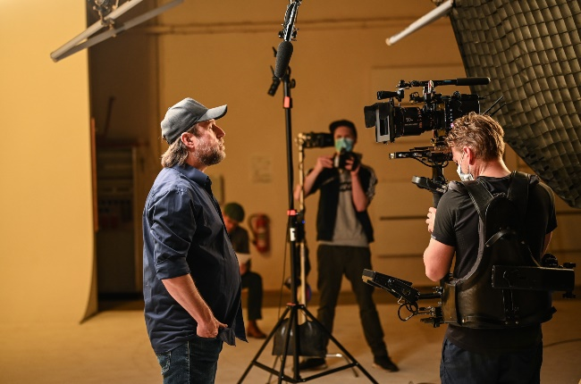 Film shoot on a set. (PHOTO: Picture Alliance/Getty Images)
