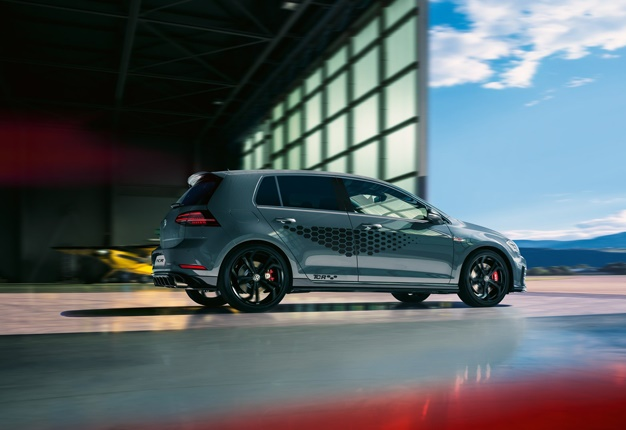 Here S Why The Vw Golf Gti Tcr Is The Bargain Of The Year At R669 000 Wheels24