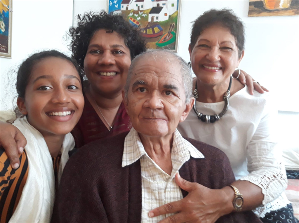 Nina with her dad Cedric, his wife, and granddaugh