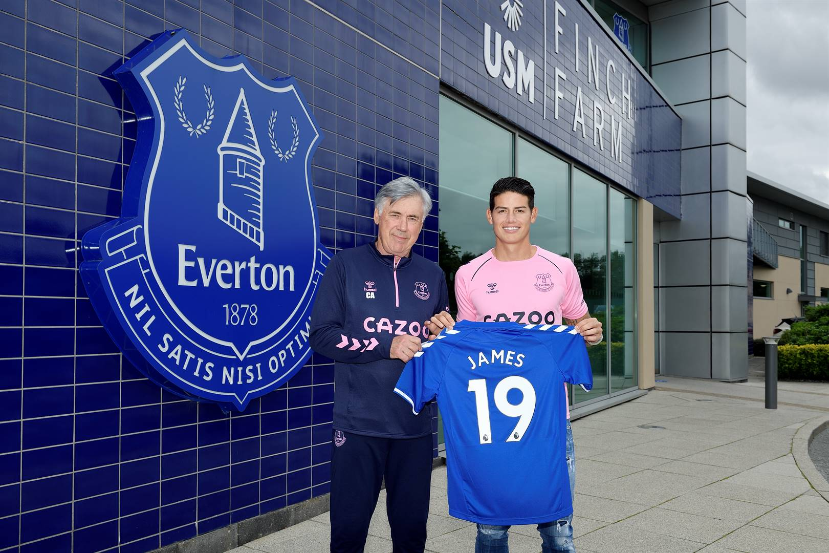 Carlo Ancelotti and James Rodríguez pose for a photo before the Everton press conference at on September 10 in Halewood, England.Picture: Tony McArdle/Everton FC via Getty Images