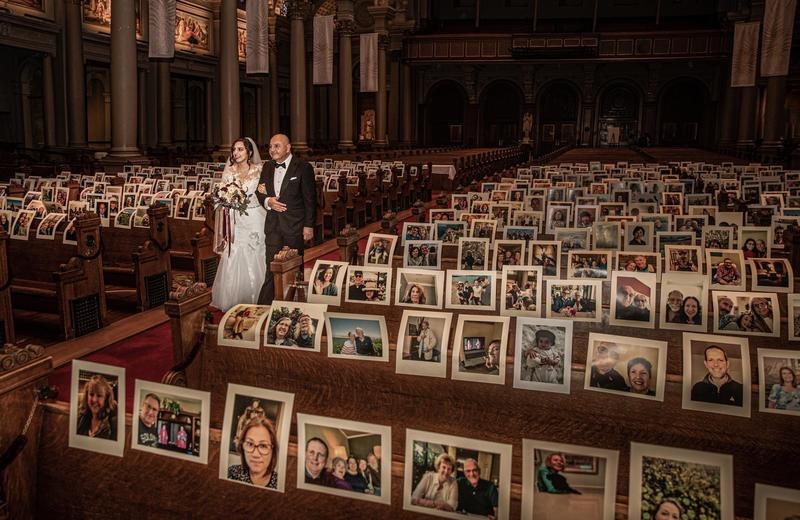 bruid by kerk