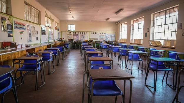 Covid-19: 32 Western Cape schools affected by existing or returning staff cases - News24