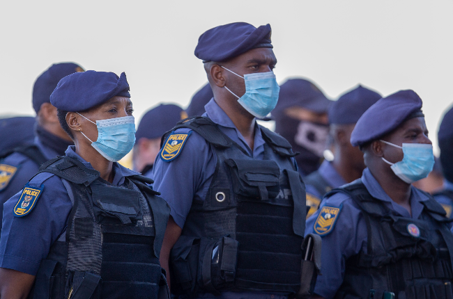 South African Police Service members being addressed by Bheki Cele (PHOTO: Getty/Gallo Images)