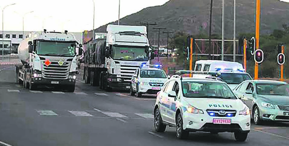 Truck drivers are escorted by the police into Botswana in an effort to reduce the spread of Covid-19. Picture: Twitter