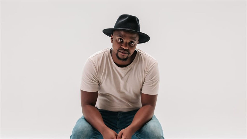 Sisonke Xonti presents two performances that reflect his eclectic music interest that spans the spectrum of jazz in South Africa.