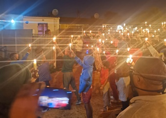 Candles lit in memory of father and son shot dead in Cape Town street