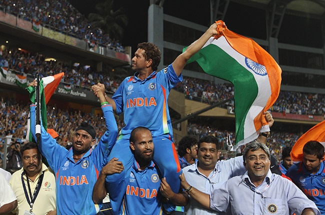 india Sachin Tendulkar of India is lifted by his team-mates on a lap of honour after their six-wicket victory over Sri Lanka in the World Cup final at Wankhede Stadium in Mumbai on 2 April 2011.