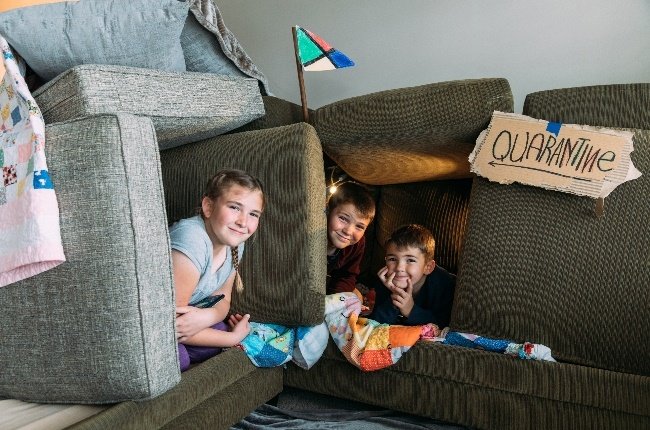 Kid's play in their fort. (Photo: Getty Images)