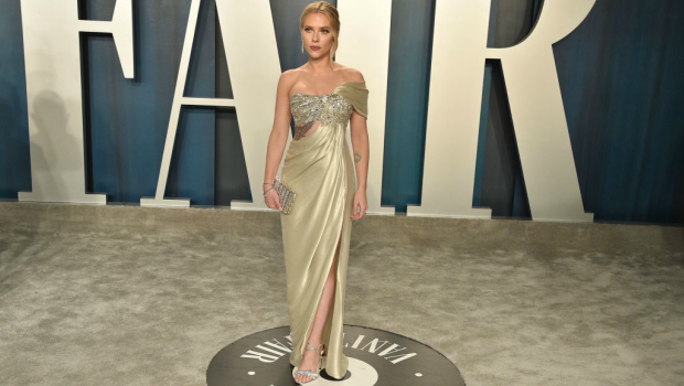 Scarlett Johansson attends the 2020 Vanity Fair Oscar Party. Photographed by David Crotty/Patrick McMullan