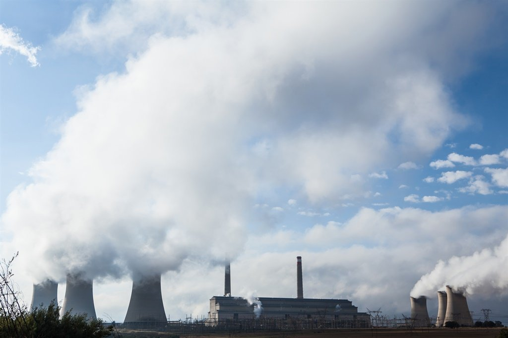 Duvha Power Station in Mpumalanga. SA must significantly decrease its carbon emissions by shutting coal-fired power stations and turning instead to renewable energy. Picture: Gallo Images