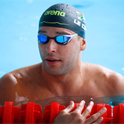 Chad le Clos avoids major upset, sneaks into 200m butterfly SFs in Tokyo