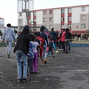 WATCH | Lockdown: Cape Town domestic worker feeds hungry children in her community