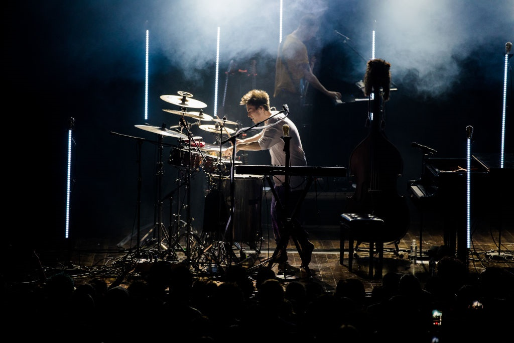 Jacob Collier locates himself in multiple traditions: His 20th-century British music heritage, a touch of dixie blues, and streams from antique Anglican boy chorister.(Photo by Mauricio Santana/Getty Images)