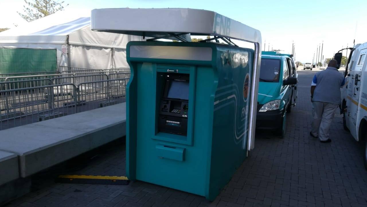 FNB se mobiele kitsbanke word in KwaZulu-Natal en dele van Gauteng ontplooi.