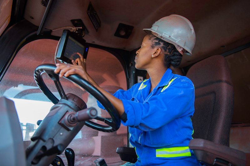 TSHEPO BALEPILE is one of a number of fermale Cat 777 haul truck operators on Kolomela Iron Ore Mine. (Photo: AngloAmerican)