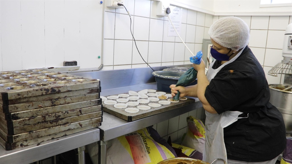 nutrient rich muffins feed hungry school children,