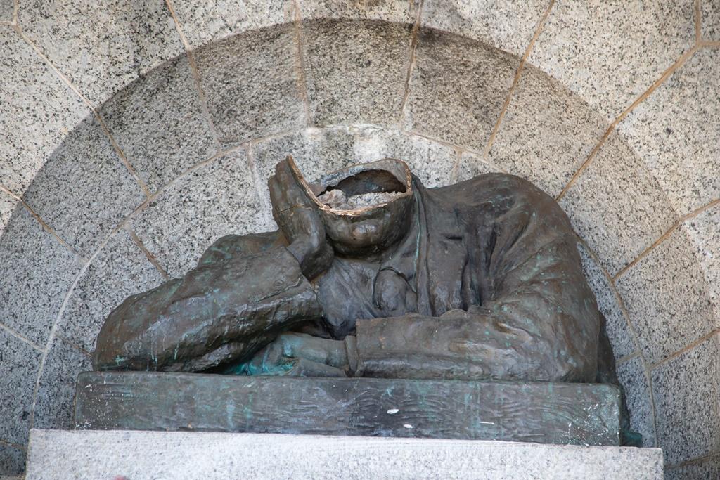 Cecil John Rhodes statue at Rhodes Memorial.