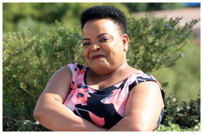 Rebecca Malope sings an R&B song and people are quite impressed.