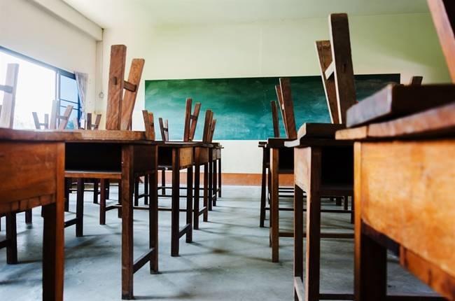 A government presentation paints a grim picture for school dropouts.
