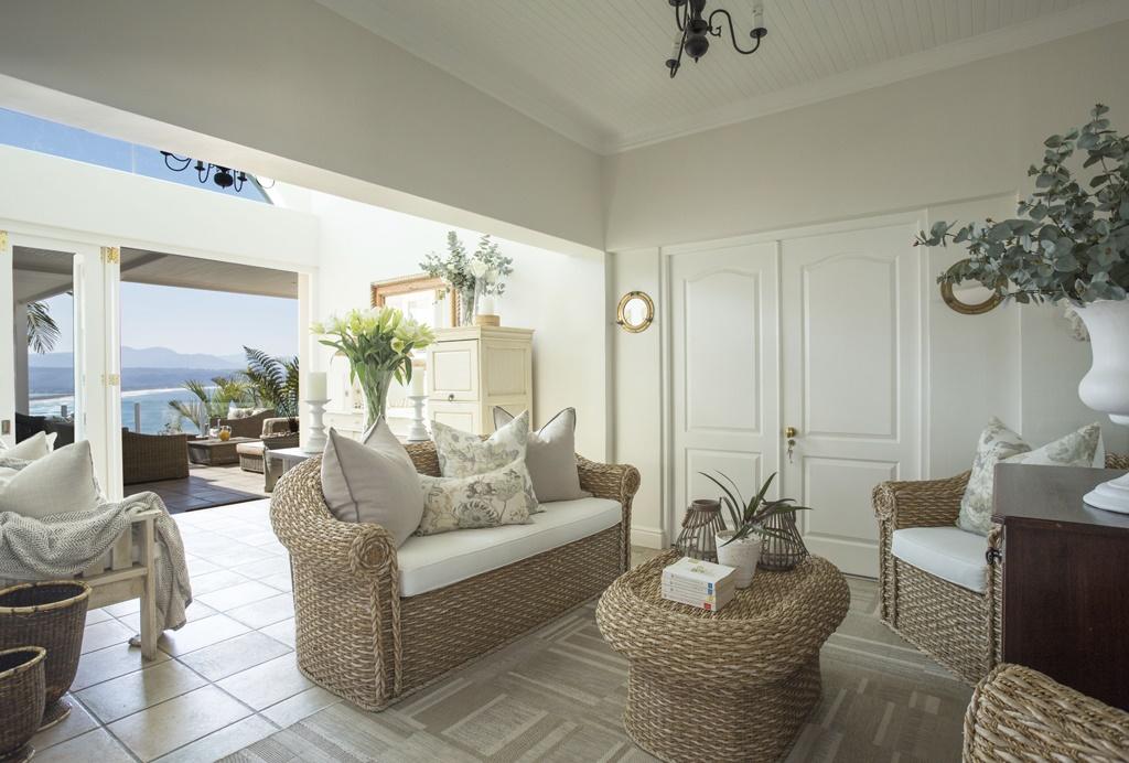 Ocean Watch Guesthouse,