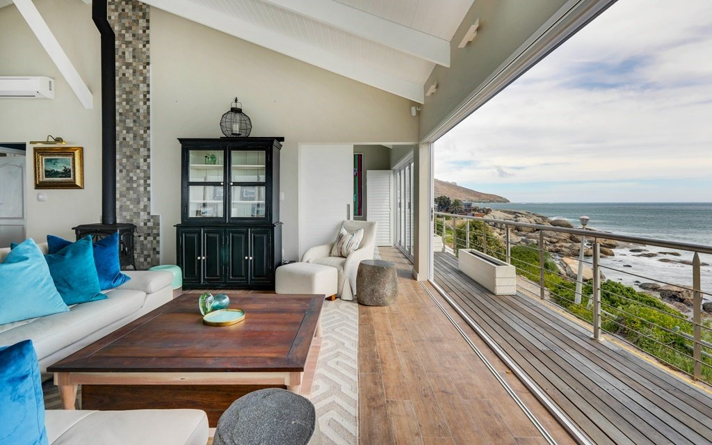 A Russian buyer paid R18 million for this property in Camps Bay. (Source: Seeff)