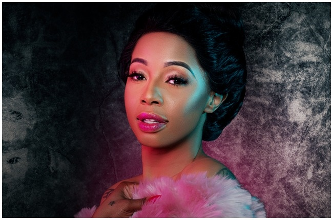 Kelly Khumalo has officially aired the first episode of her reality TV show, Life with Kelly Khumalo.