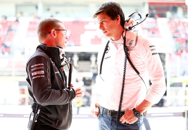 Mercedes Engine Boss Andy Cowell, toto wolff
