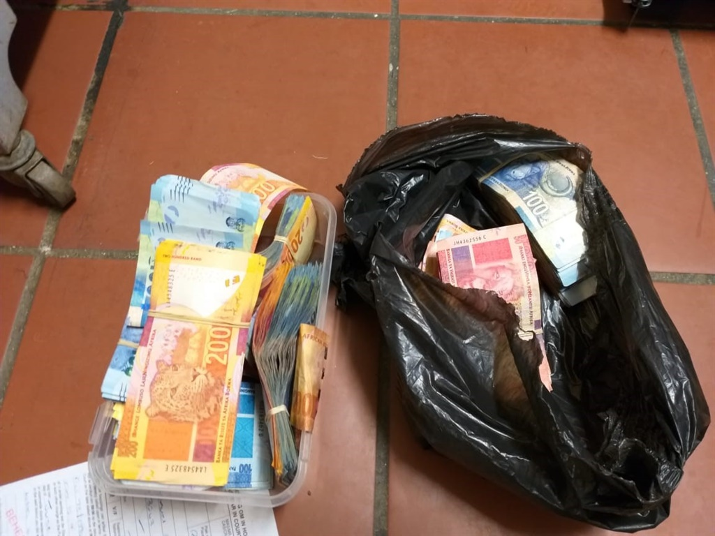 Four arrested as police bust tobacco worth R1.1 M (Supplied by SAPS)