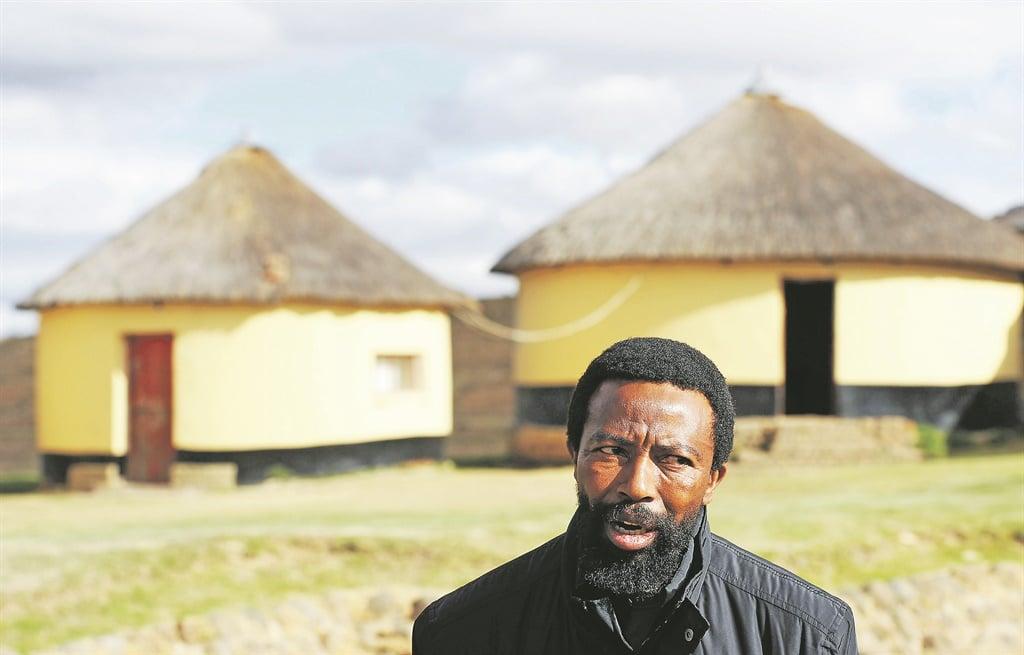 King Buyelekhaya Dalindyebo.