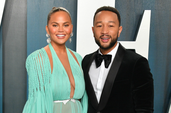 Chrissy Teigen and John Legend have announced that they are expecting a new baby!