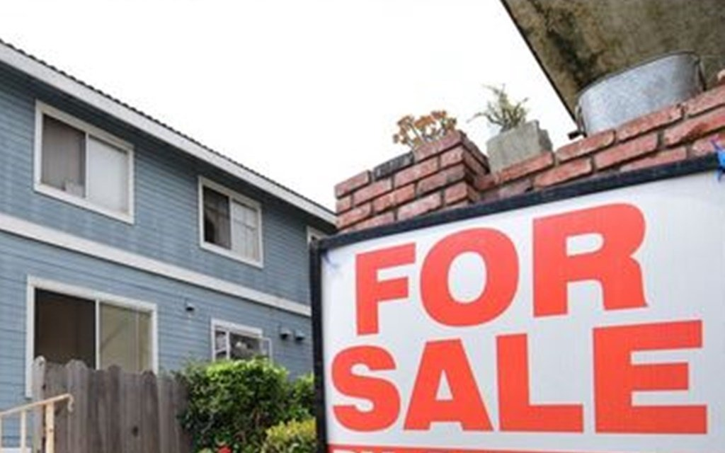 The struggling economy means lower house price growth. (Getty Images)