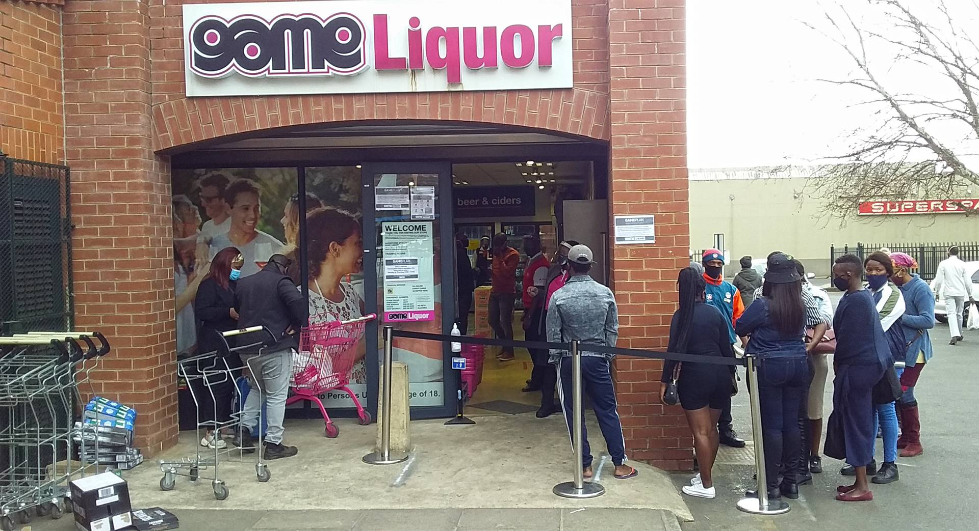 There were no long queues at liquor stores such as Game Liqour on Chief Albert Luthuli as the ban of alcohol and cigarettes was lifted.PHOTO: Moeketsi Mamane