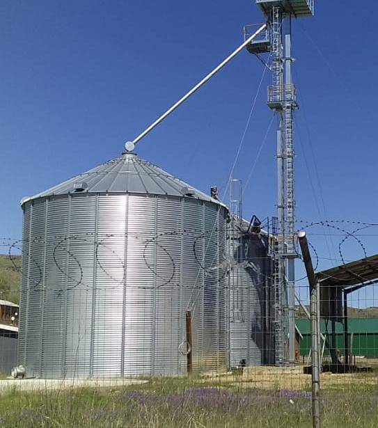 SITTING IDLE: Matatiele Local Municipality built a fresh produce market and grain silos which have never been used.