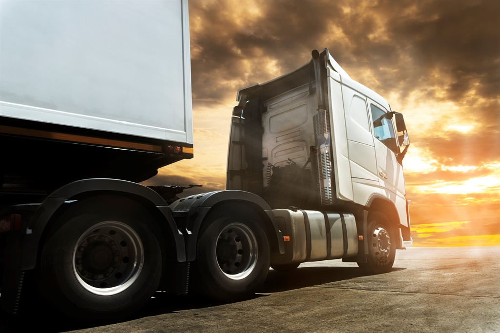 According to the National Income Dynamics Study – Coronavirus Rapid Mobile Survey, the transport industry shed about 17 000 jobs because of the pandemic. Analysts estimate that the sector needs about 15 000 commercial truck drivers annually. Picture: iStock/ 1933bkk