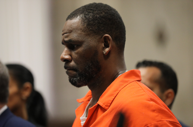Singer R. Kelly appears during a hearing  (Photo: