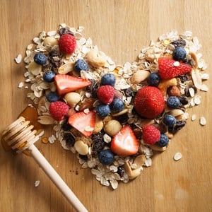 Eating well and following a healthy diet can reduce the risk of heart disease.