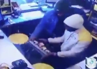 WATCH | Cashier held up during armed robbery at Port Elizabeth petrol station