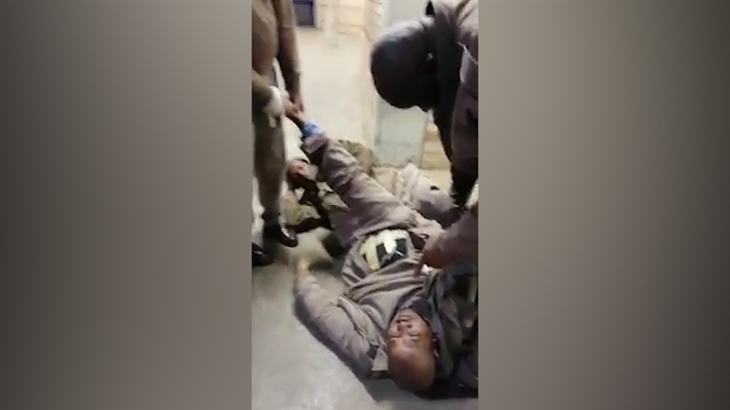 WATCH | Prison guard allegedly caught with contraband strapped to his body in Kimberley prison - News24